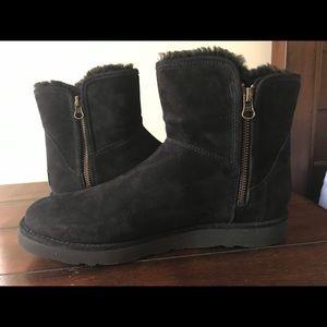 Women's UGG boots *** NEW***